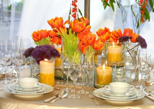 hochzeitsdekoration ideen mit orangen tulpen