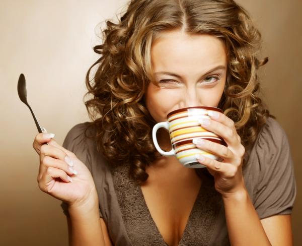 kaffee oder tee trinken tasse gesund ritual