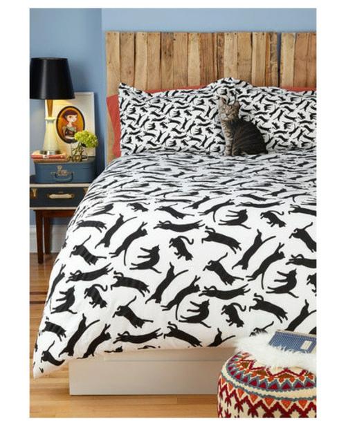 katzen deko bettwäsche mit kleinen schwarzen katzen gemustert