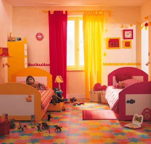 Babyzimmer mädchen gelb  Kinderzimmer komplett gestalten - Junge und Mädchen teilen ein Zimmer