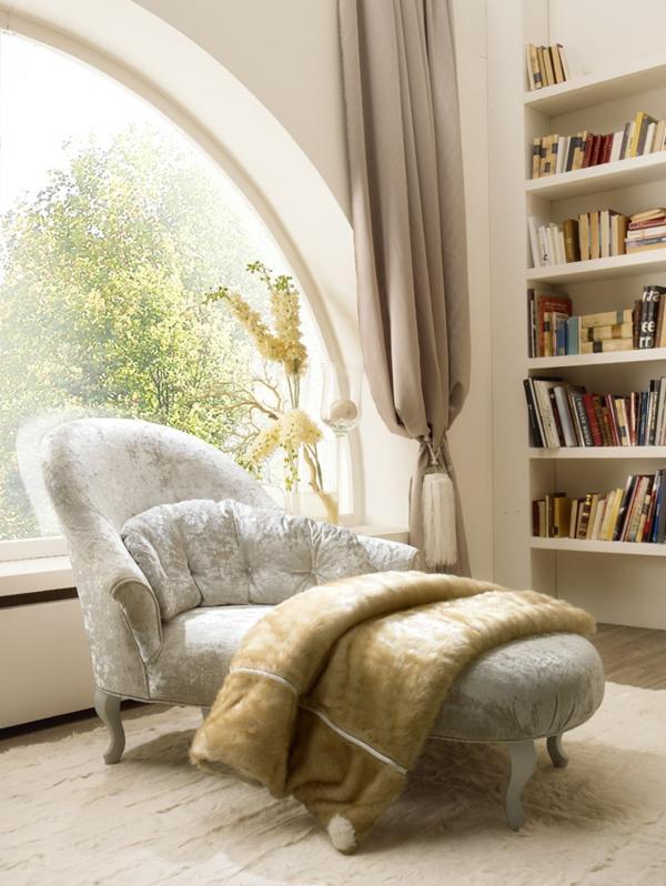 luxus einrichtungsideen plüsch ottomane in hellgau