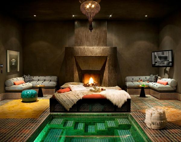 marokkanisches haus badewanne mit smaragdgrünen fliesen