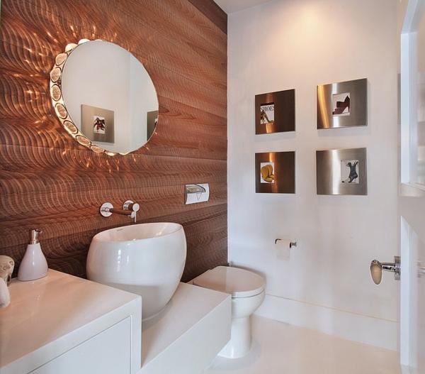moderne coole luxusvilla ovaler wandspiegel mit einbauleuchten