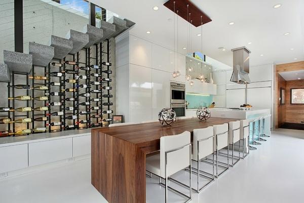 moderne luxusvilla weinregale unter der treppe
