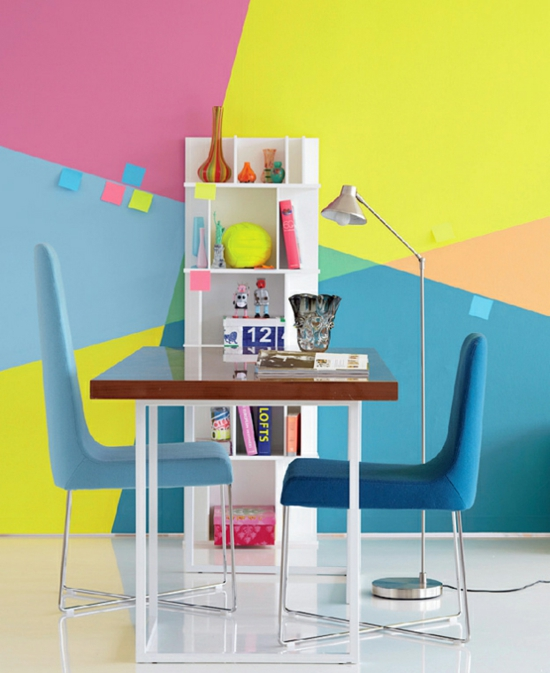 Möbel Paletten Bunt Streichen Balkonmöbel Petunien Esstisch Lounge