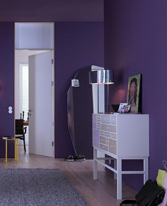 raumgestaltung mit farben wandfarbe lila