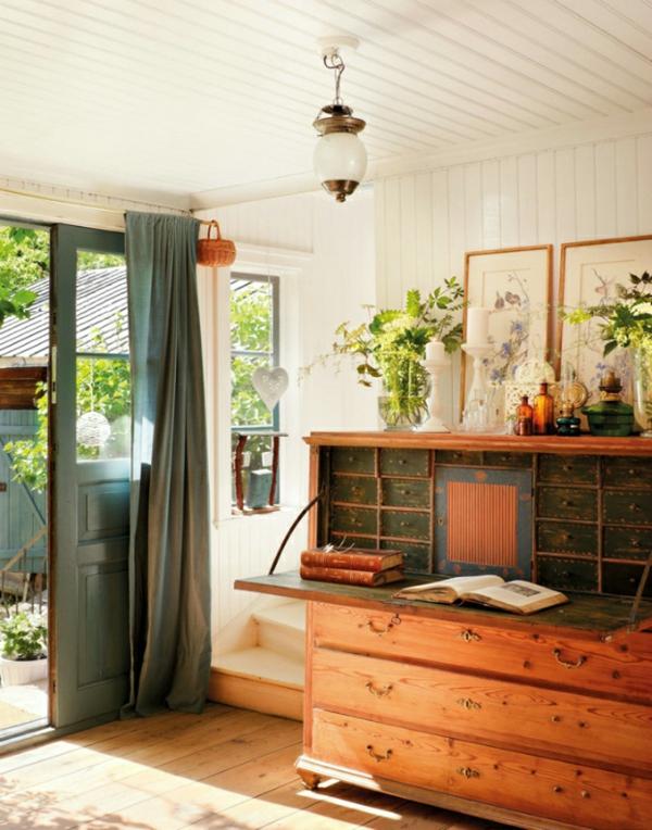 schwedisches schickes gartenhaus holzschrank mit ausklappbarer platte