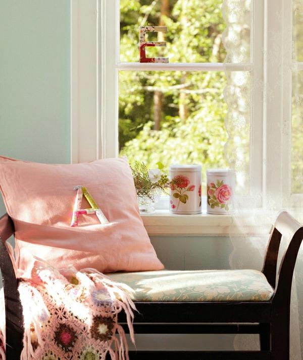 schwedisches gartenhaus rosa monogram kissen
