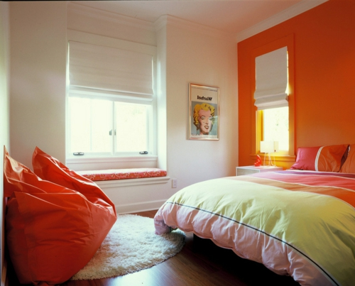 schlafzimmer orange streichen raum und m beldesign inspiration. Black Bedroom Furniture Sets. Home Design Ideas