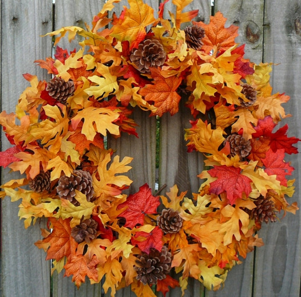Tannenzapfen und Herbstblu00e4tter Dekoideen - mehr Natur zu Hause