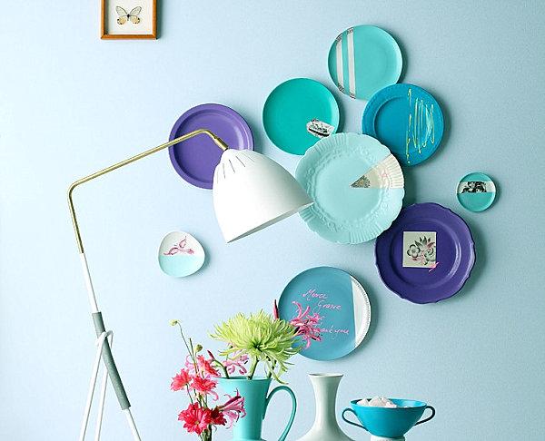 vintage style wandteller in blauen nuancen