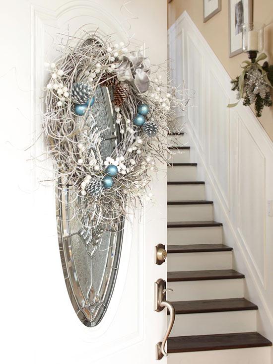 weihnachten deko kranz eingangsbereich silber spiegel