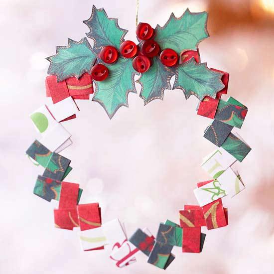 weihnachtsdeko basteln aus gefaltetem papier und knöpfen