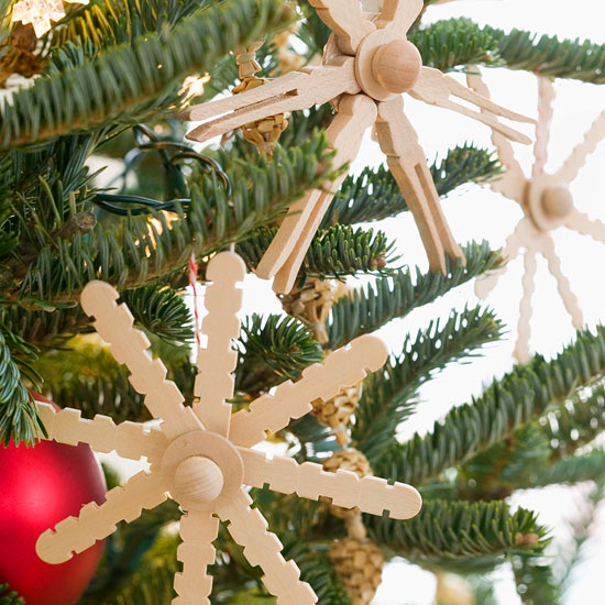 weihnachtsdeko basteln aus hellem holz