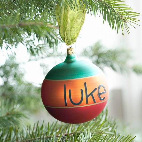 weihnachtsdeko basteln gestreifter ball mit namen