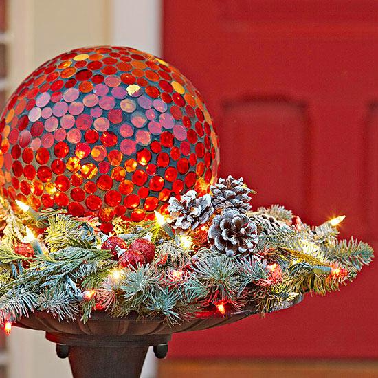 weihnachtsdeko ideen winter verzierung pinienzapfen vogeltränke