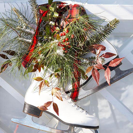 Weihnachtsdeko Ideen Winter Verzierung Tür Kranz Schlittschuhe
