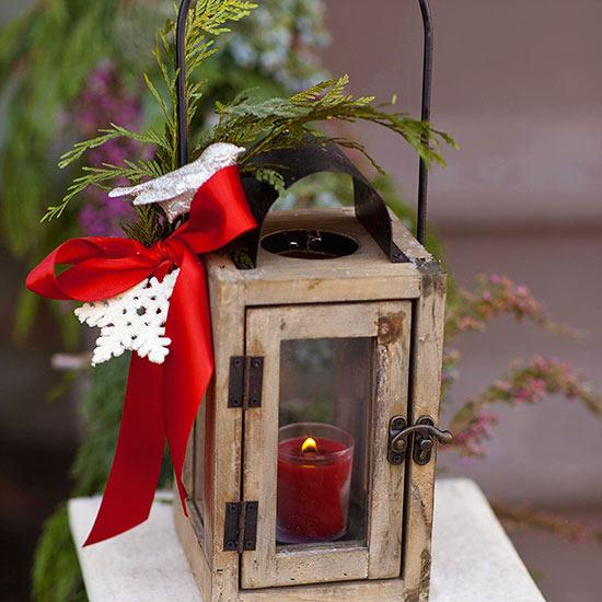weihnachtsdeko ideen winter vorbereitung außen kerze schleife