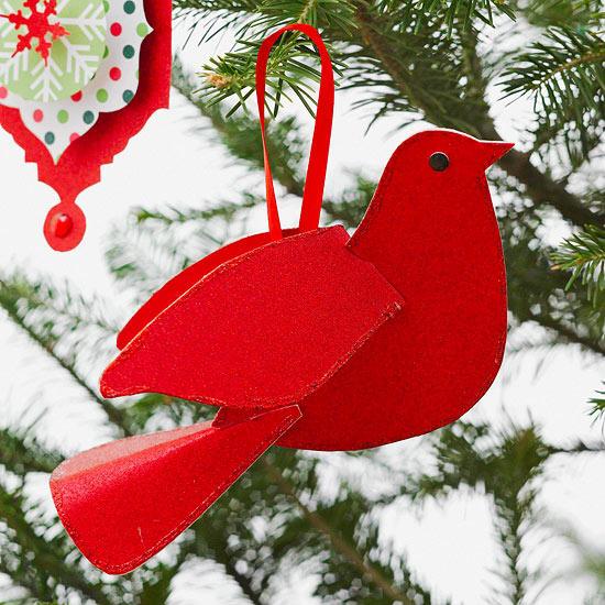 weihnachtsdekoration aus papier anhänger rote taube