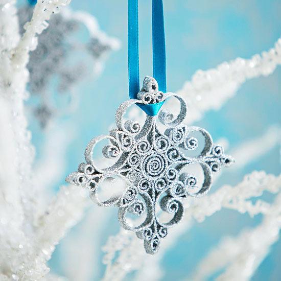 weihnachtsdekoration aus papier glitzernder stern