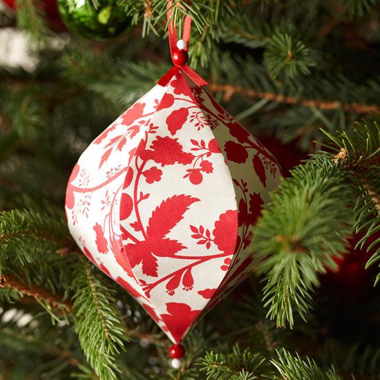 weihnachtsdekoration aus papier winzige laterne mit floralen mustern