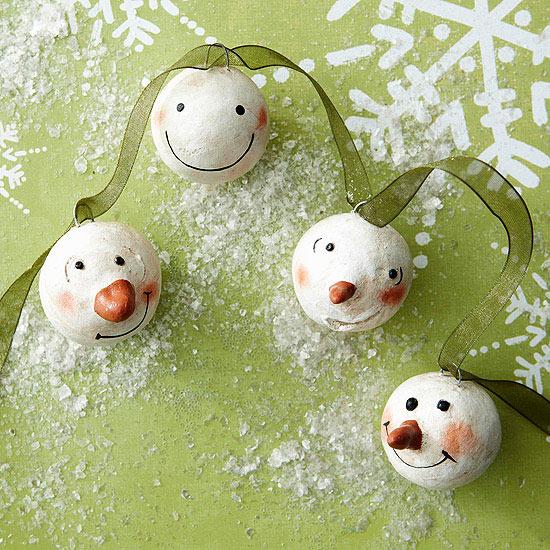 weihnachtsdekoration basteln schneemann gesicht girlande