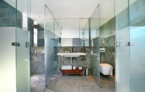 wellness-einrichtung zu hause ideen badezimmer glaswände