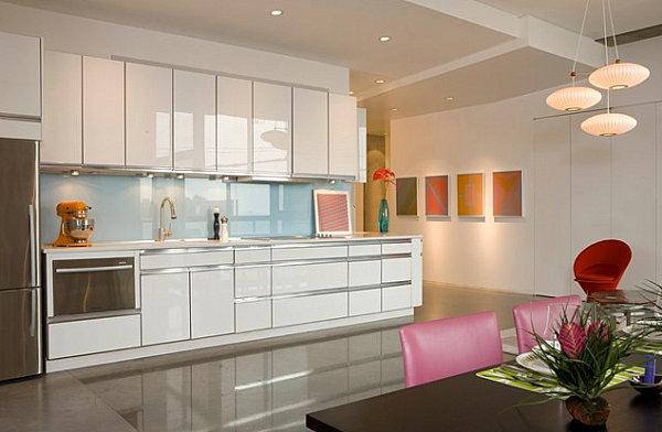 wohnen und dekorieren essbereich küche halbinsel weiß pastelfarbe