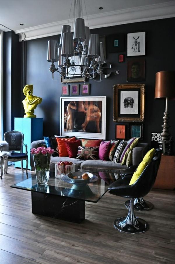 neobarock wohnzimmer:wohnzimmer farben eleganter Stuhl in Marineblau im Rokoko Stil