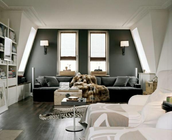 zebra wohnzimmer:wohnzimmer farben symmetrische Fenster und Wandleuchten