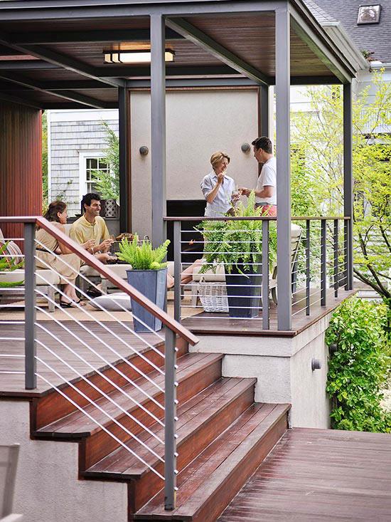 wunderschöne veranda inspirationen kirschholz und metall treppengeländer