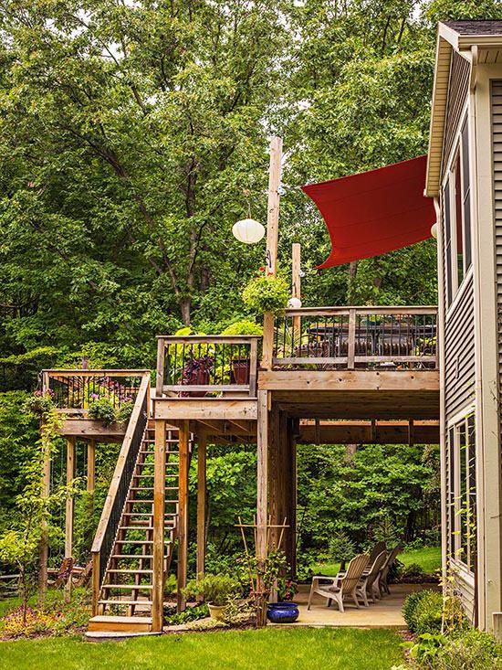 wunderschöne veranda inspirationen mit schmaler treppe und sonnenschutz