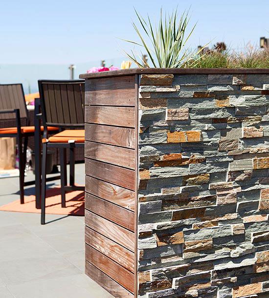 wunderschöne veranda inspirationen tresen aus natursteinen und holzbrettern