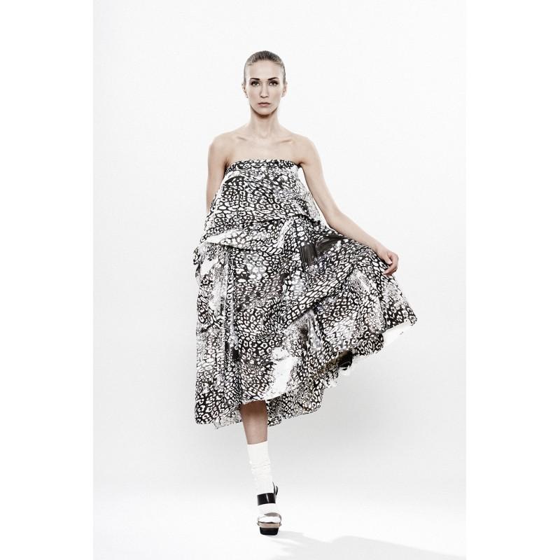 Разкошна дамска пола в черно и бяло Maria Queen Maria chern-biala-pola