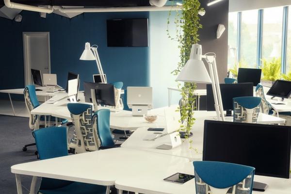 Attraktives Büro wie ein Raumschiff eingerichtet futuristisch