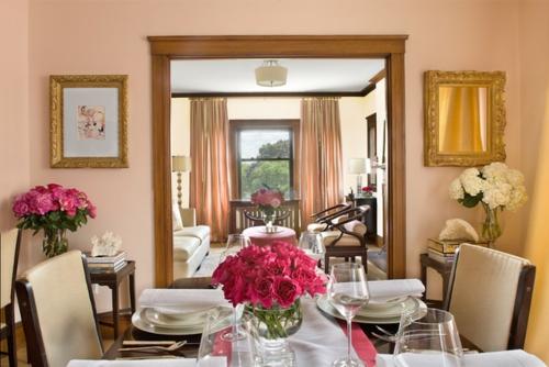 Ausgefallene Einrichtungsideen für Wandspiegel esszimmer rosen blumen