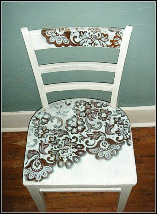 Dekoideen für bemalte Möbel stuhl muster blumen braun weiß