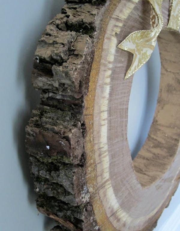 Dekoideen mit Holzquerschnitt kranz hängend band DIY
