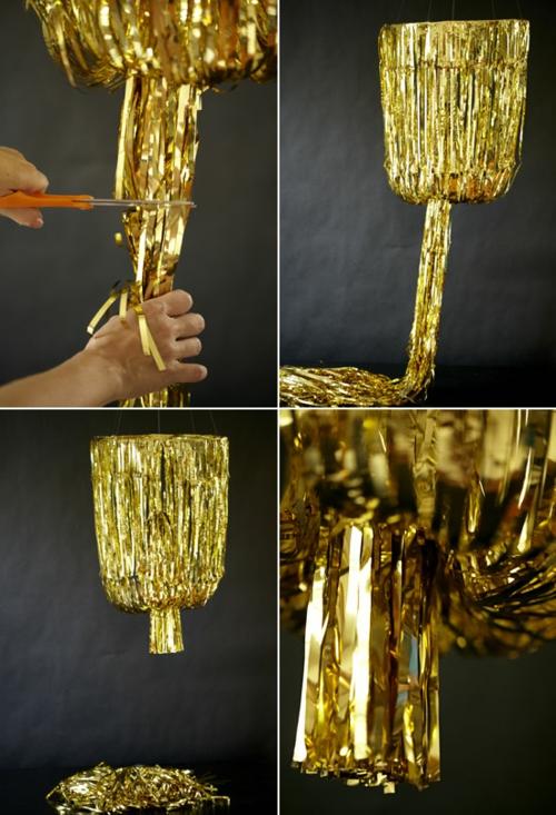 DIY Kronleuchter aus Vintage Schmuck gold girlande hängend