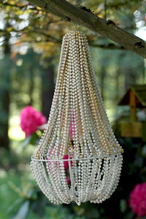 DIY Kronleuchter aus Vintage Schmuck perlen außenbereich