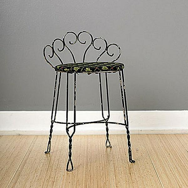 DIY Wohnideen rohre pflanzen klassisch stuhl metall hohe beine