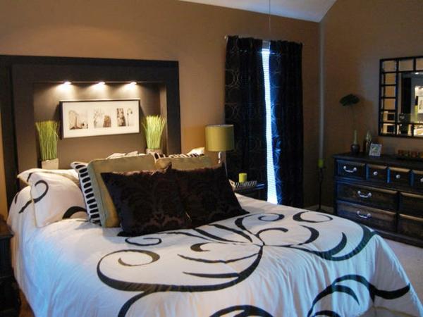 günstig einrichten blau kissen bettwäsche gemustert schlafzimmer