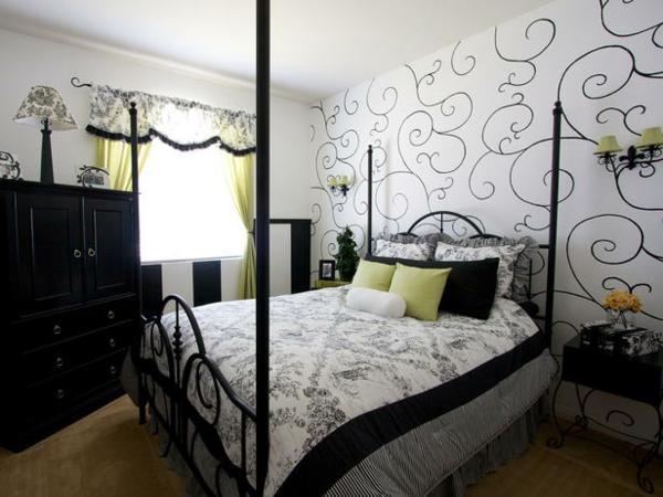 Das Schlafzimmer günstig einrichten blau kissen metall gestell wandtattoo