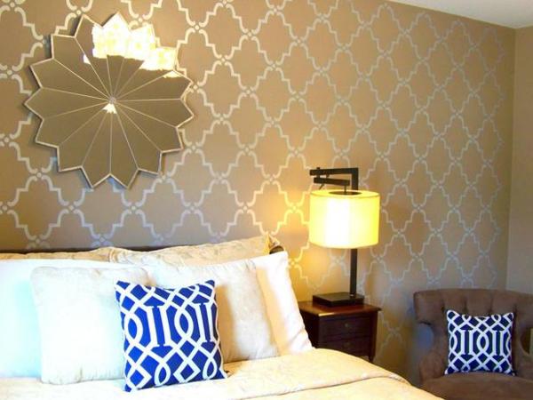 günstig einrichten blau kissen wandspiegel sonne  Schlafzimmer