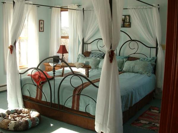 günstig einrichten gardinen himmelbett schlafzimmer