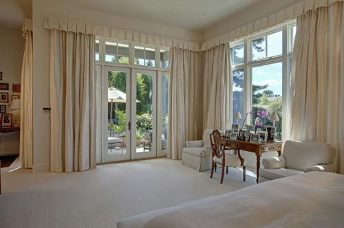 Deko Gardinen und Vorhänge einbaukamin schlafzimmer beige