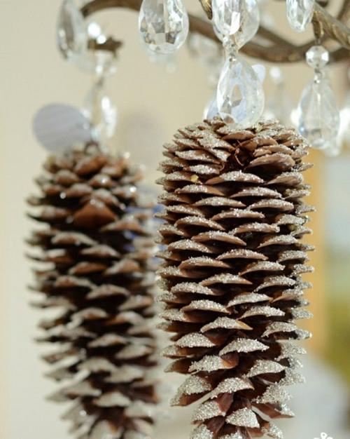 Föhrenzapfen weihnachtsdeko selber machen glitzernd
