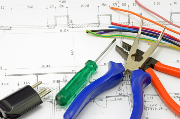 Elektriker und Elektrotechnik