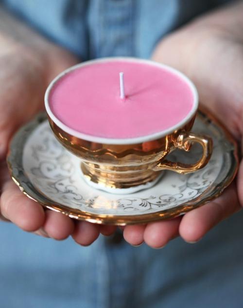 Dekoideen für Weihnachtsgeschenke kerze rosa kaffeetasse