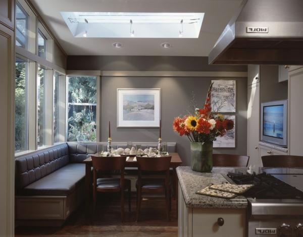 Gemütliche Wohnfläche in der Küche grau farbschema wandgestaltung